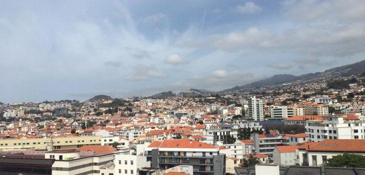 Hoch hinaus auf den Monte Funchals geht es am besten mit der Seilbahn, den Teleféricos da Madeira.