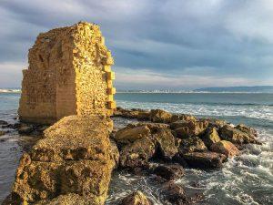 Gebäudereste im Meer vor Akko, Israel