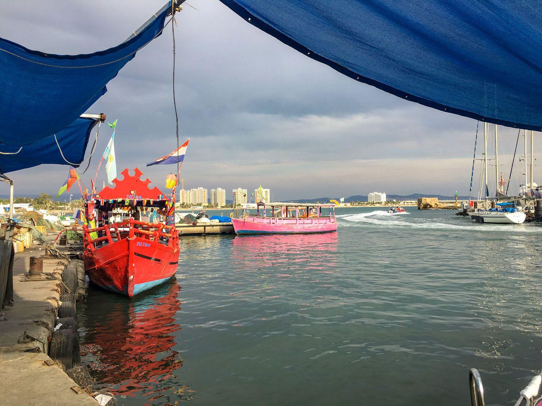 Am Hafen von Akko, Israel