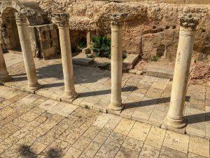 Ein Blick auf die antike Straße des Western Cardo in Jerusalem