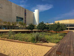 Vorplatz des Habima-Theaters in Tel Aviv