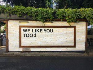 Ein freundliches Piece Street Art in Tel Aviv