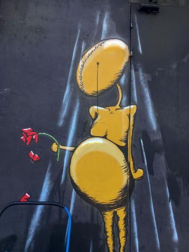 Streetart in Tel Aviv: ein trauriges Wesen