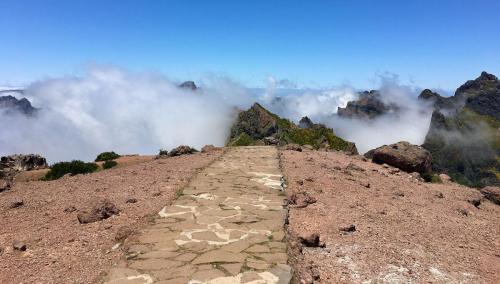 Einstieg zur Tour zum Pico Ruivo, ausgehend vom Pico do Arieiro auf Madeira